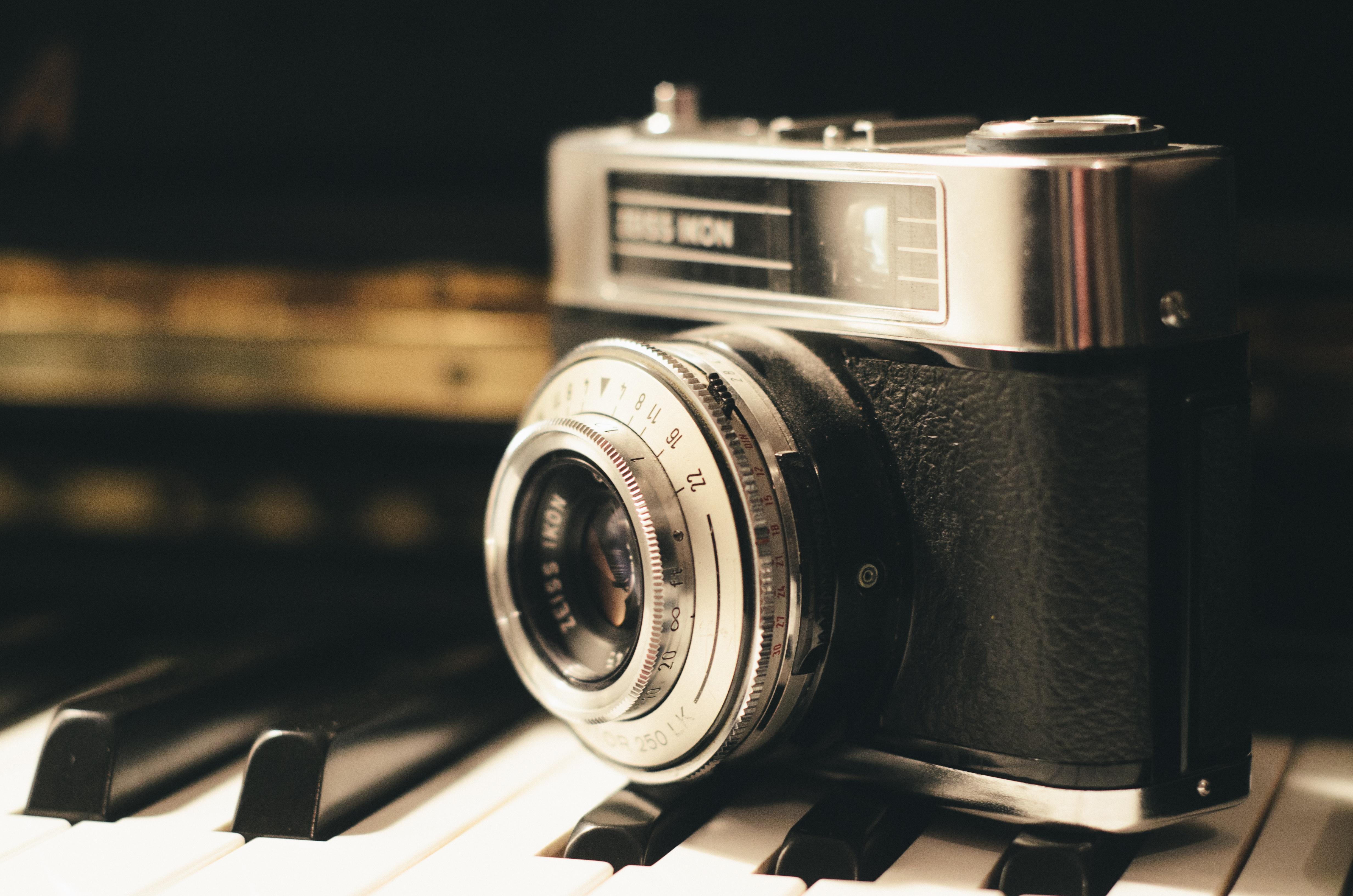 pianocamera-photography-vintage-lens_1.jpg